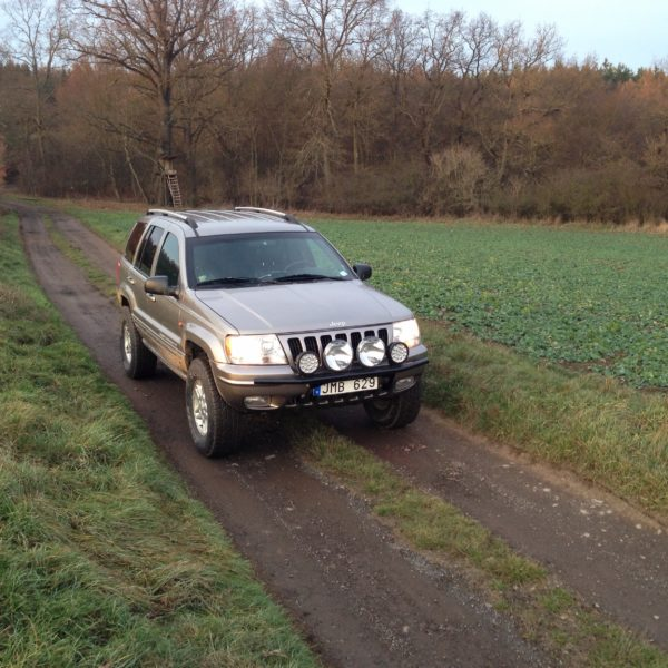 Jeep WJ country road Czech Republic