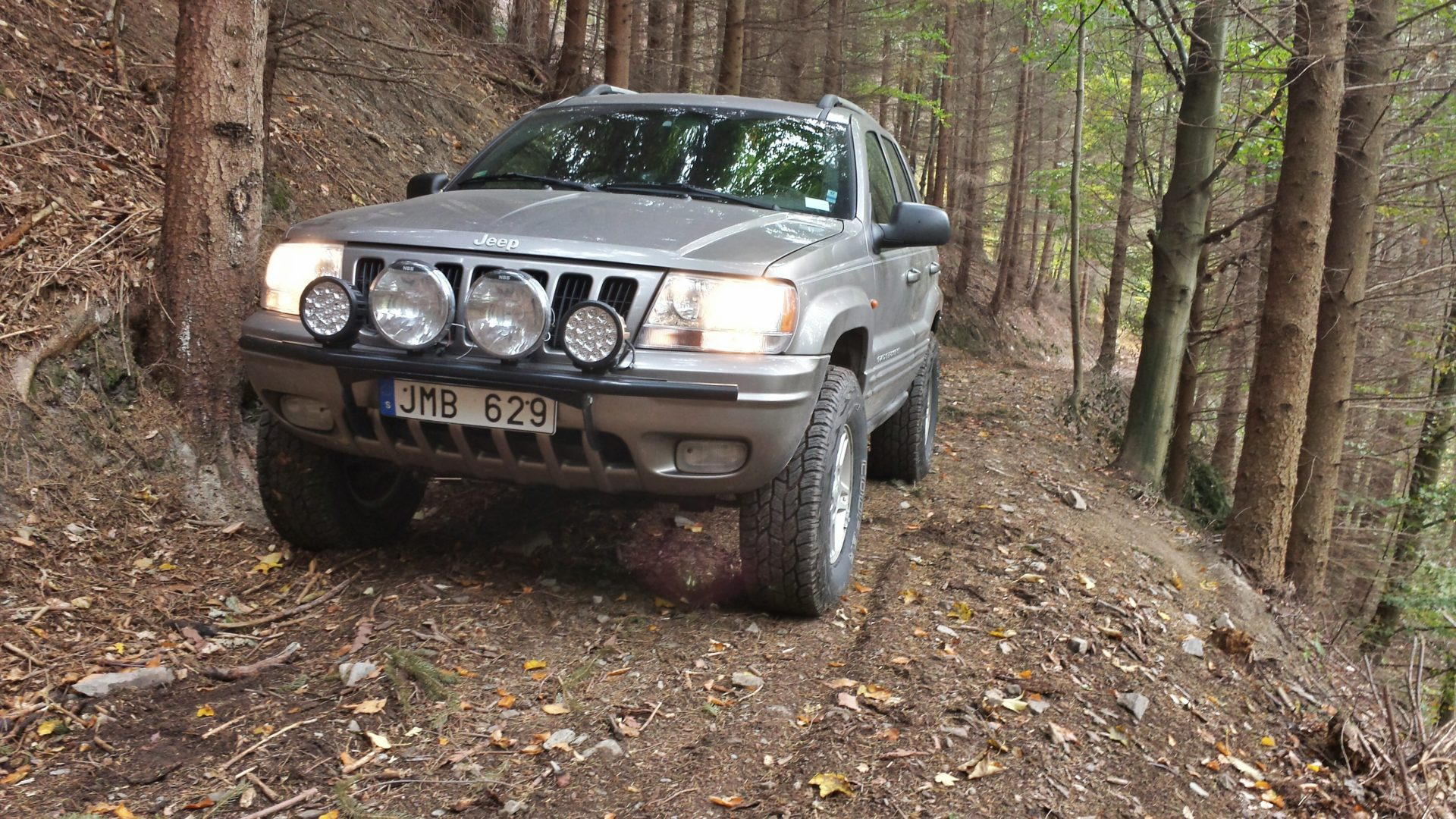 Richtonehdr on jeep grand cherokee off road